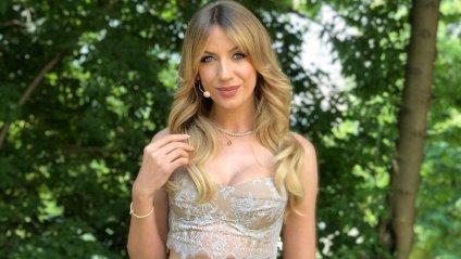 Леся Нікітюк похвалилася фігурою в прозорій сукні: фото