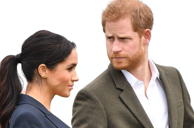 Офіційна заява: принца Гаррі і Меган Маркл позбавлять титулів і грошей