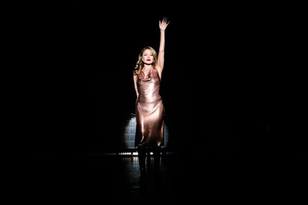 Ніжні та зворушливі концертні образи Тіни Кароль