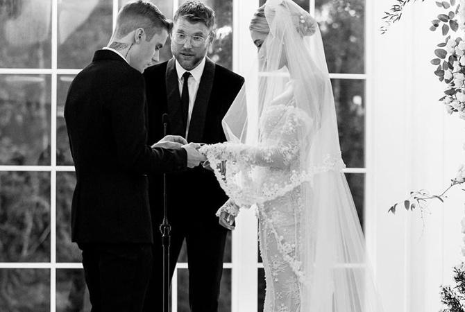 Джастін Бібер зворушливо привітав кохану з річницею весілля: фото