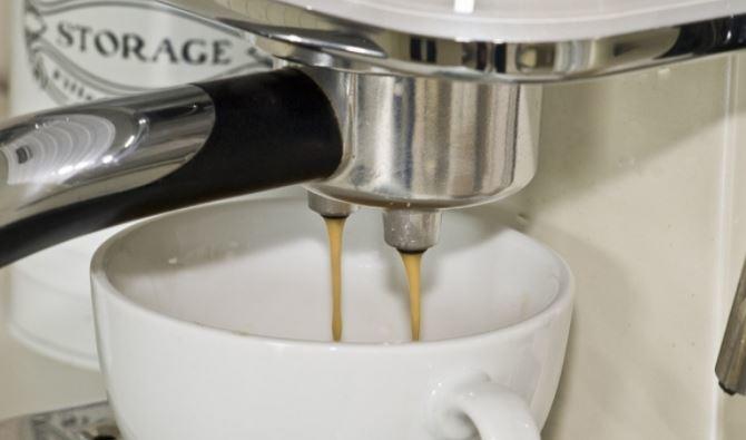 Дієтологи назвали продукти, які не можна запивати кавою