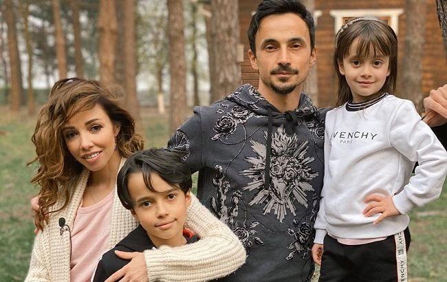 Вся в маму: 5-річна дочка Катерини Кухар захопила поперечним шпагатом