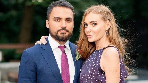 Екс-чоловік Слави Камінської привітав співачку з 36-річчям, опублікувавши спільні фото