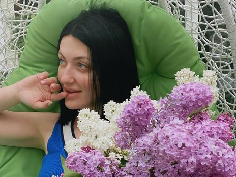 У чорному боді: Сніжана Бабкіна розбурхала мережу пікантним фото у ліжку